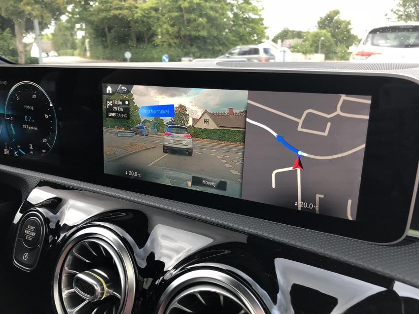 Mercedes - Live Navigation