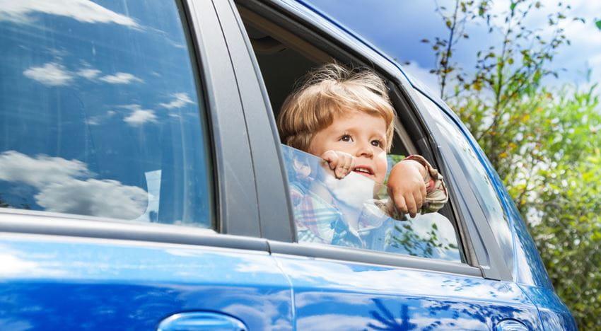 barn_i_bil